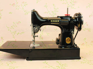 Load image into Gallery viewer, Singer Featherweight 221 Sewing Machine, AF882***