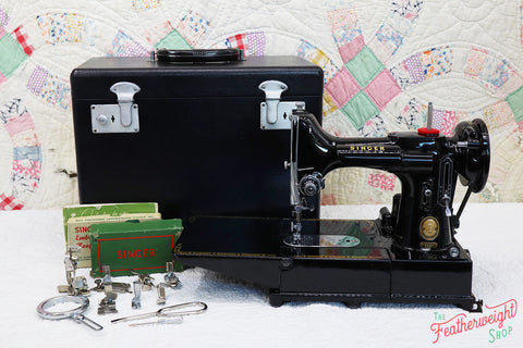 Singer Featherweight 222K Sewing Machine EL184***