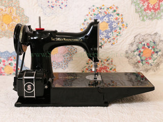 Load image into Gallery viewer, Singer Featherweight 221 Sewing Machine, AL416***