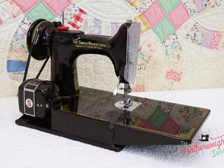 Load image into Gallery viewer, Singer Featherweight 221K Sewing Machine, French EF909***