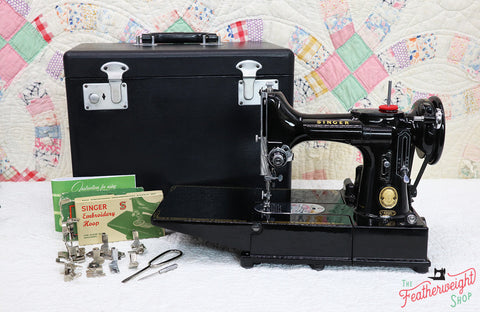 Singer Featherweight 222K Sewing Machine EK321***