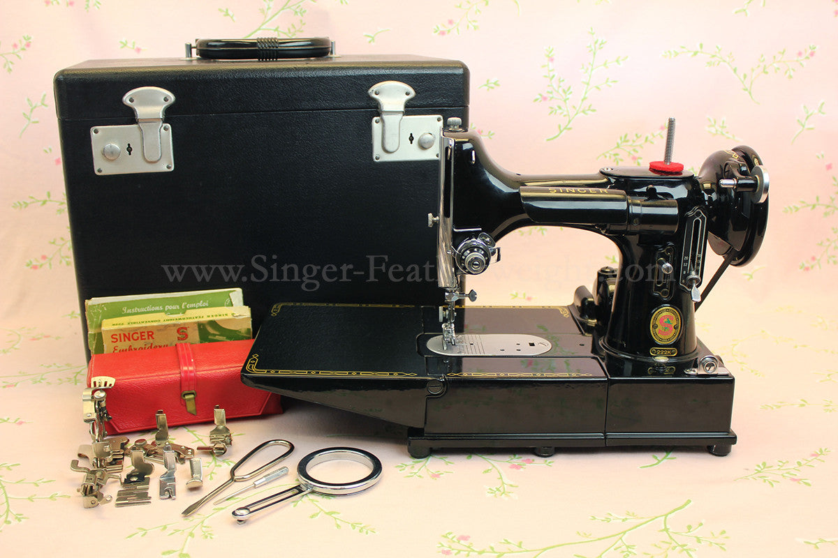 Singer Featherweight 222K Sewing Machine,