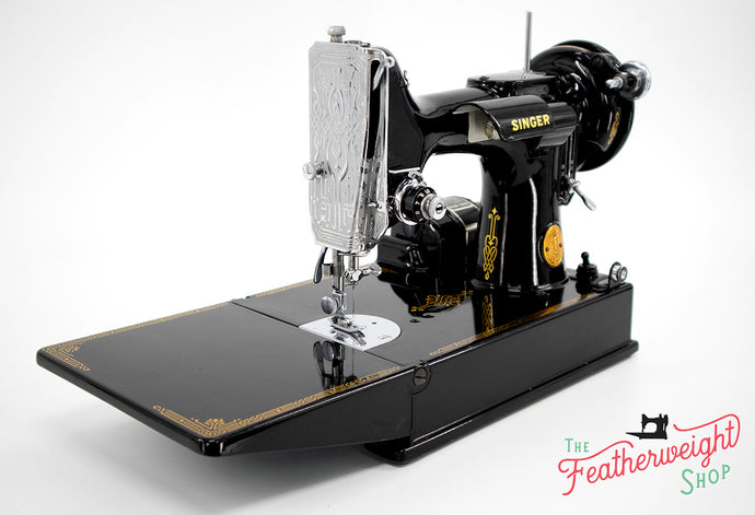 Singer Featherweight 221 Sewing Machine, AG009***