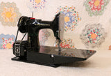 Singer Featherweight 221 Sewing machine, 1933 AD541***