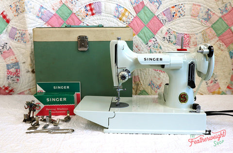 Singer Featherweight 221K Sewing Machine, WHITE EV9057**