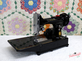 Load image into Gallery viewer, Singer Featherweight 222K Sewing Machine EJ622***