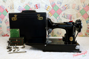 Singer Featherweight 221 Sewing machine, 1935 AD880***