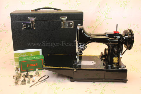 Singer Featherweight 222K Sewing Machine EP542***