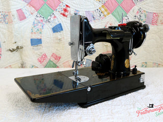 Load image into Gallery viewer, Singer Featherweight 221 Sewing machine, 1935 AD880***