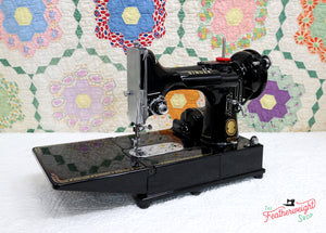Singer Featherweight 222K Sewing Machine EK6362**