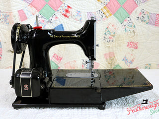 "Load image into Gallery viewer, Singer Featherweight 222K Sewing Machine, RED ""S"" EP758***"