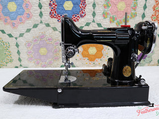 Load image into Gallery viewer, Singer Featherweight 221 Sewing Machine, AE789***