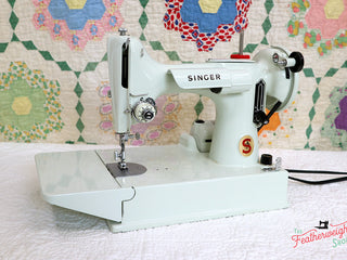 Load image into Gallery viewer, Singer Featherweight 221K Sewing Machine, WHITE EV942***