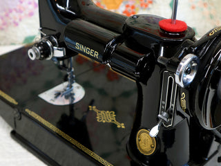 Load image into Gallery viewer, Singer Featherweight 221 Sewing Machine, AK774***