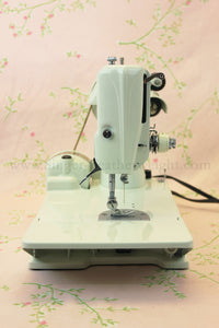 Singer Featherweight 221 Sewing Machine, WHITE FA128***