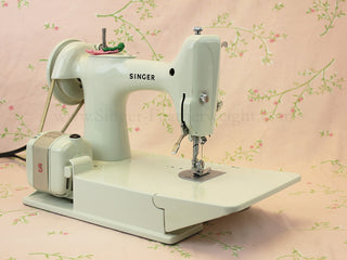 Load image into Gallery viewer, Singer Featherweight 221 Sewing Machine, WHITE FA128***