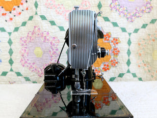 Load image into Gallery viewer, Singer Featherweight 221 Sewing Machine, AM372***