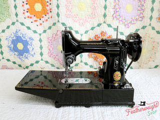 "Load image into Gallery viewer, Singer Featherweight 222K Sewing Machine, RED ""S"" ER022***"