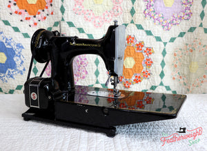 "Singer Featherweight 222K Sewing Machine, RED ""S"" ER022***"