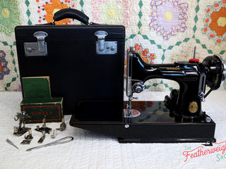 Load image into Gallery viewer, Singer Featherweight 221 Sewing Machine, AE991***