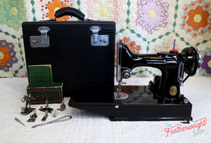 Singer Featherweight 221 Sewing Machine, AE991***