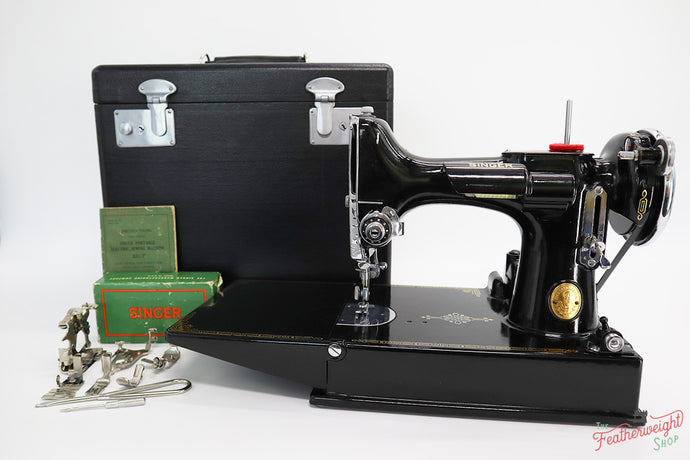 Singer Featherweight 221 Sewing Machine, AF076***