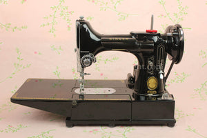 Singer Featherweight 222K Sewing Machine EM601***