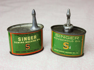 Load image into Gallery viewer, Oil Can, Vintage Singer