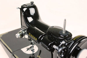 Singer Featherweight 221 Sewing Machine, Rare BLACKSIDE AG011***