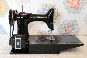 Singer Featherweight 221K Sewing Machine, EH628***