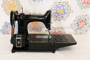 Singer Featherweight 222K Sewing Machine EK629***