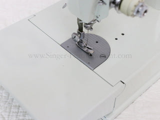 Load image into Gallery viewer, Singer Featherweight 221 Sewing Machine, WHITE EV893***