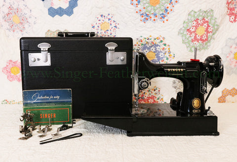 Singer Featherweight 221 Sewing Machine, AM186***
