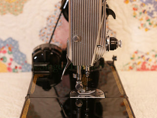 Load image into Gallery viewer, Singer Featherweight 221 Sewing Machine, AK765***