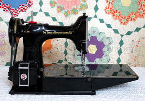 Singer Featherweight 221 Sewing Machine, AK993***