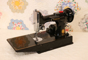 Singer Featherweight 221 Sewing Machine, AM150***
