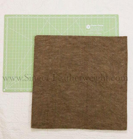 "Paca Pressing Mat, 15"" x 15"" - 100% ALPACA - MEDIUM"