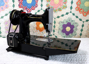 "Singer Featherweight 222K Sewing Machine, RED ""S"" EP5428**"