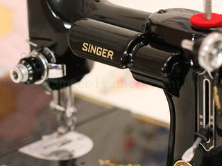 Load image into Gallery viewer, Singer Featherweight 221 Sewing Machine, AL541***