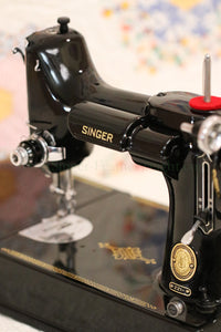 Singer Featherweight 221 Sewing Machine, AL541***