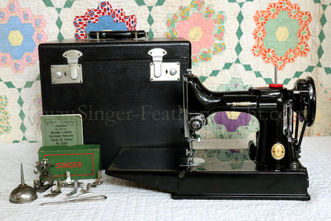 Singer Featherweight 221K Sewing Machine, EH378***