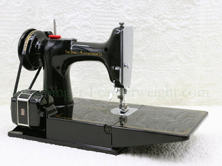 Load image into Gallery viewer, Singer Featherweight 221 Sewing Machine, AM383***
