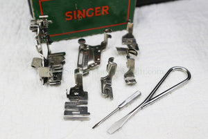 Singer Featherweight 221 Sewing Machine, AF089***