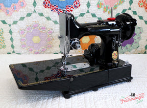 "Singer Featherweight 222K Sewing Machine, RED ""S"" EP759***"