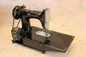 Singer Featherweight 222K Sewing Machine EK633***