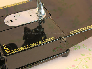 Load image into Gallery viewer, Singer Featherweight 222K Sewing Machine EK633***