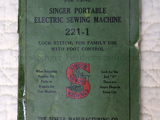 Load image into Gallery viewer, Singer Featherweight 221 Sewing machine, 1934 AD783***