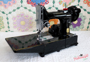 Singer Featherweight 222K Sewing Machine EN1345**