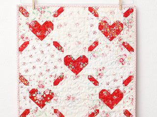 Load image into Gallery viewer, Pattern, Love is All Around MINI Quilt by Ellis & Higgs (digital download)