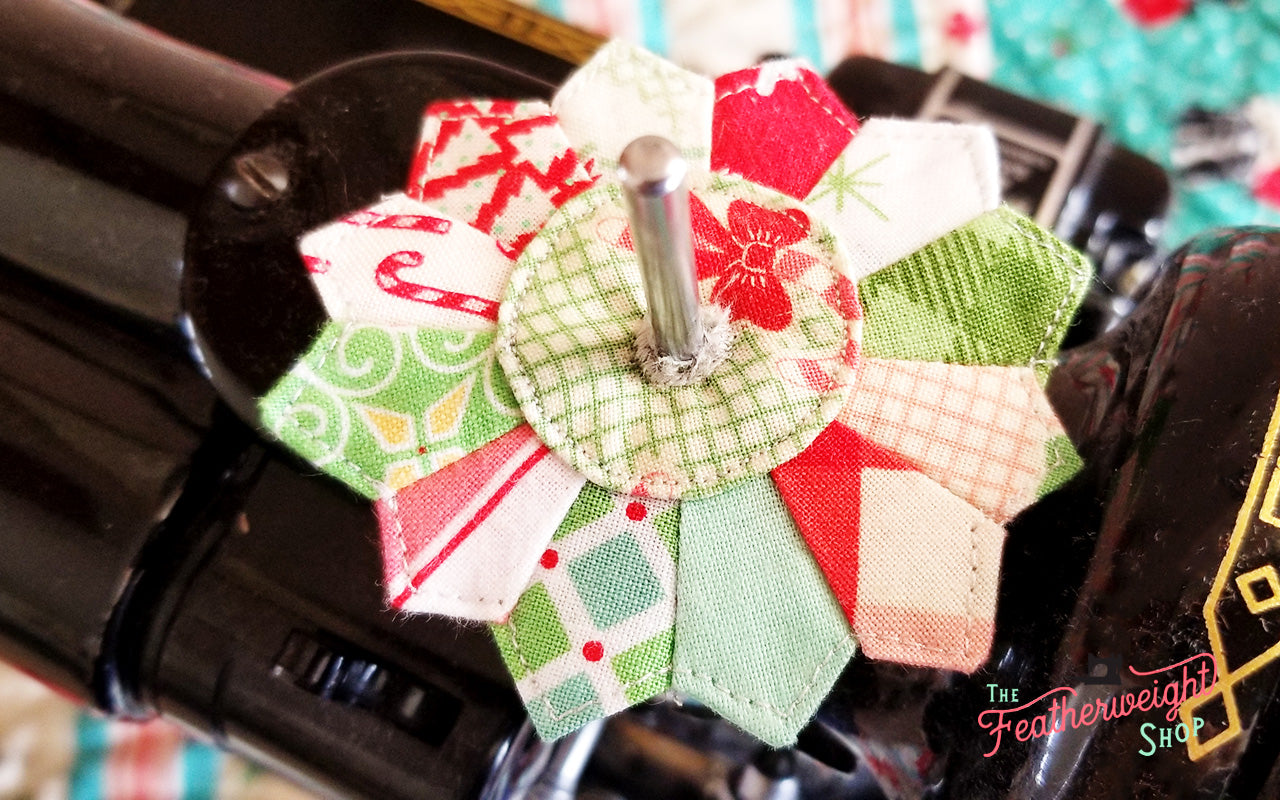DRESDEN Spool Pin Kit, Pattern + Diecut CHRISTMAS Fabric Pieces for Featherweight Thread Spool